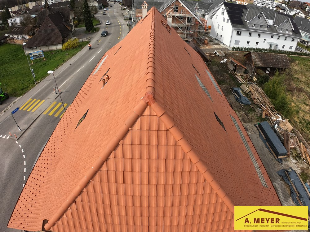Dachdecker Spengler Blitzschutz Langenthal Aarwangen Bannwil Oensingen Niederbipp Olten Solothurn Huttwil Herzogenbuchsee